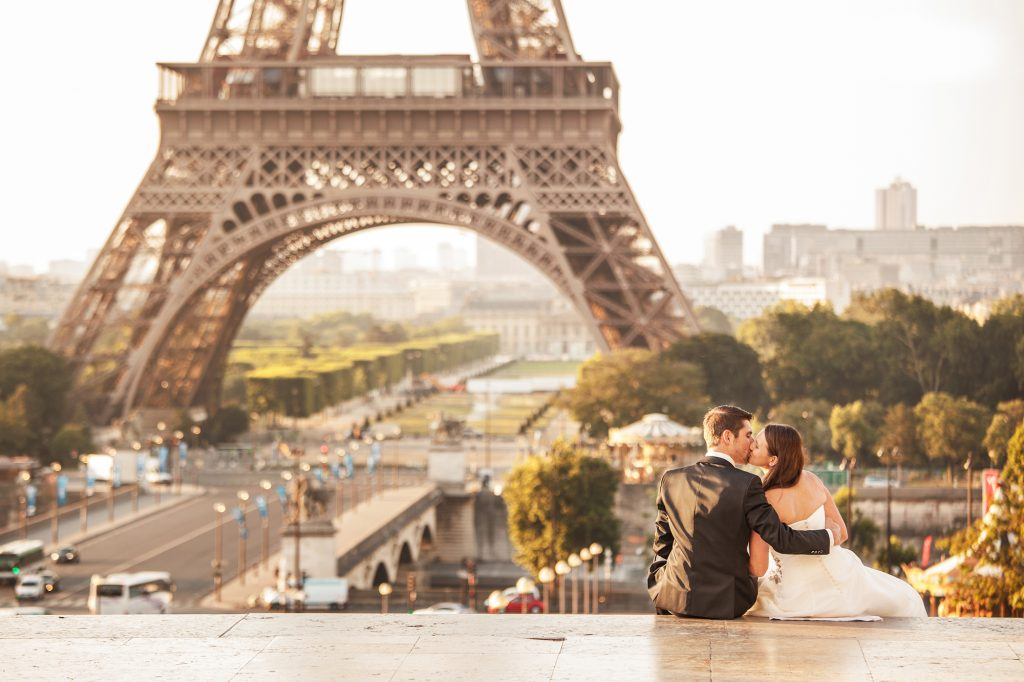 Eiffel Tower photographer wedding