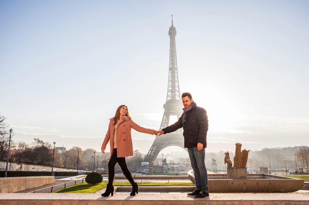romantic paris eiffeltower photoshooting