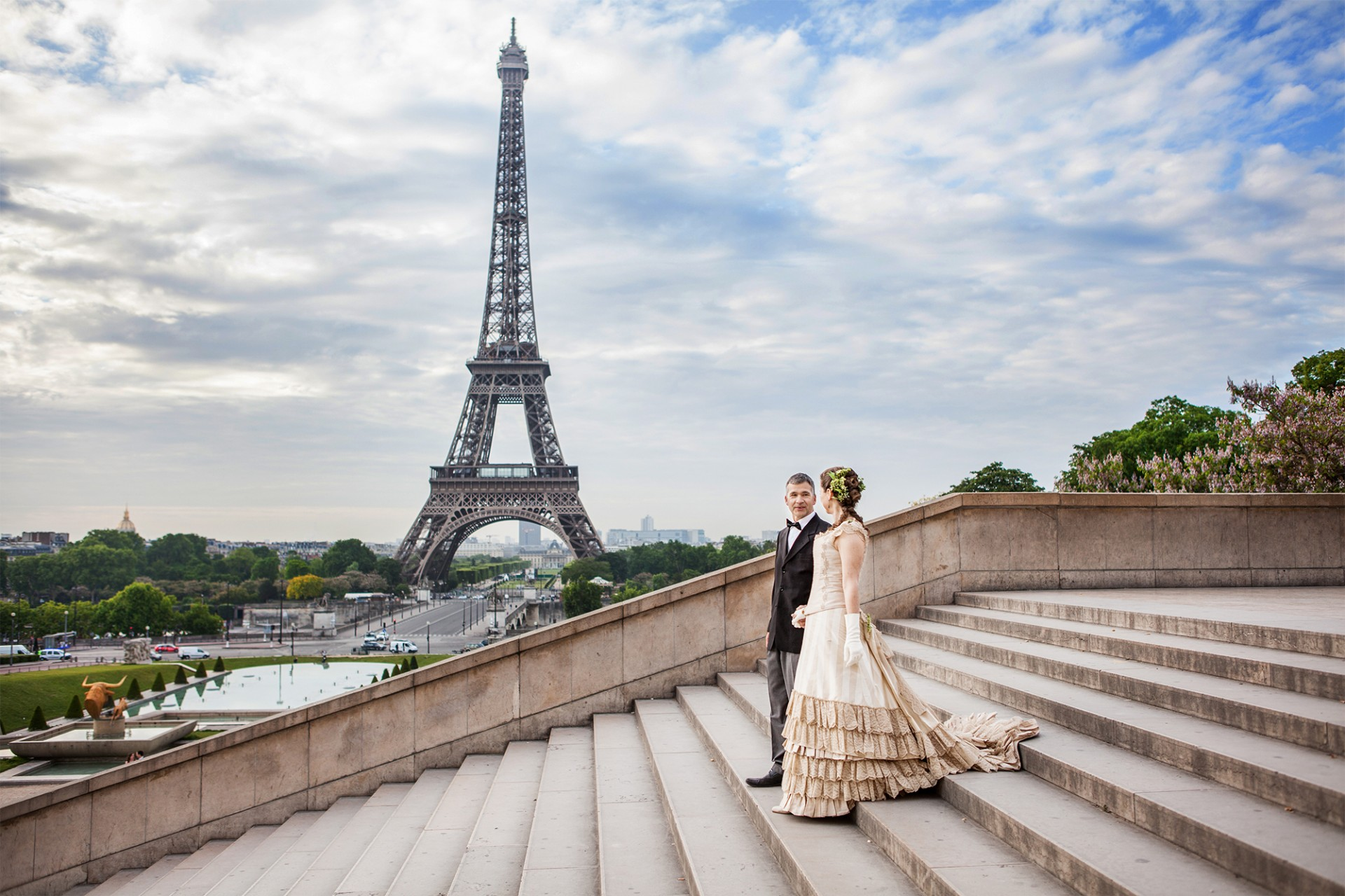 Engagement and wedding photographer paris