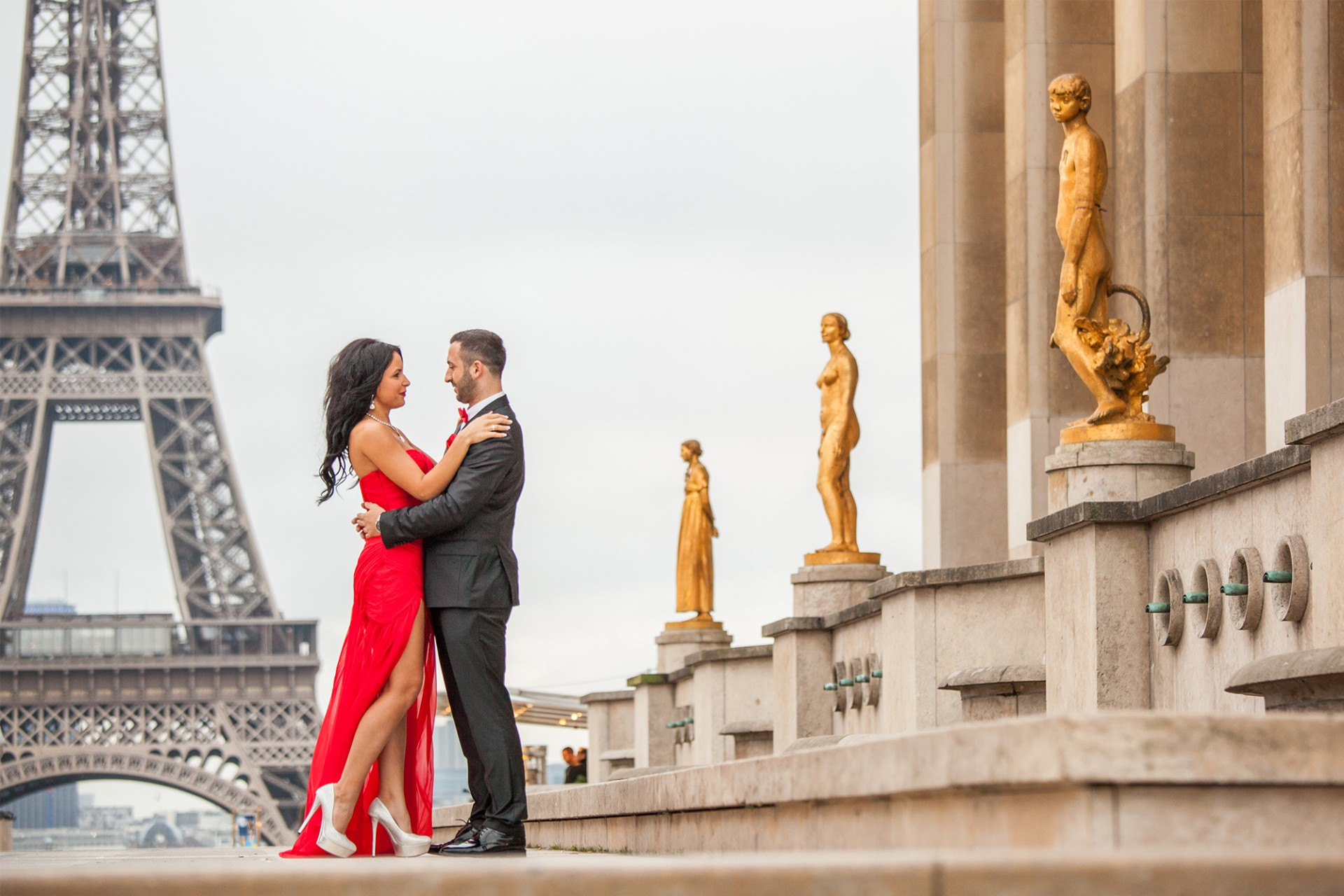Engagement photographer from paris