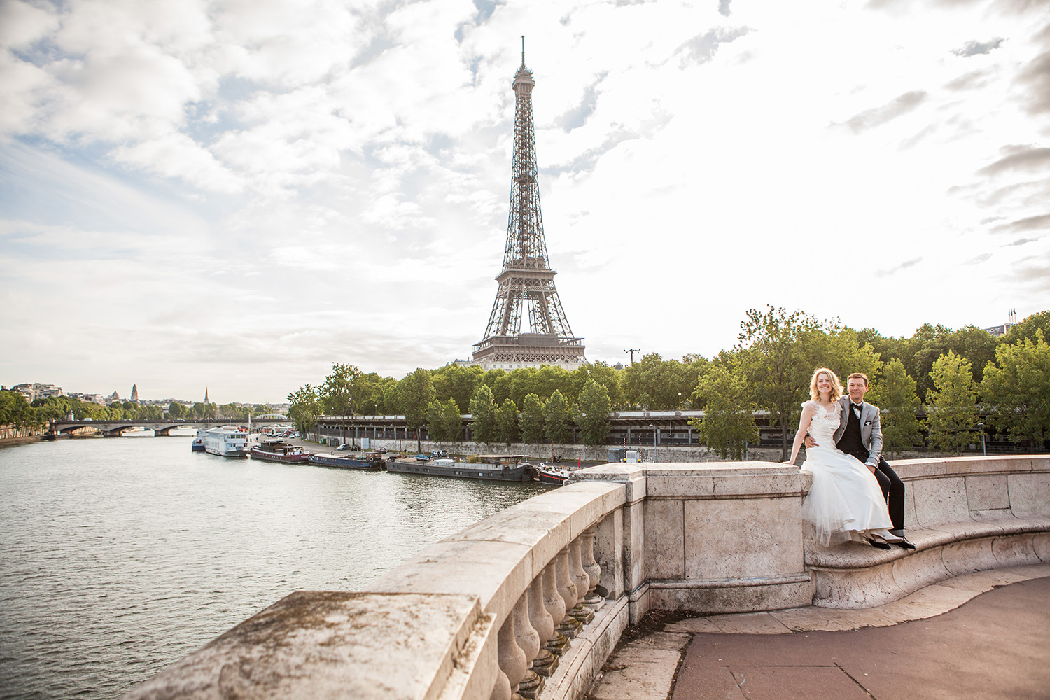 wedding in paris book photographer
